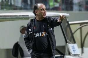 Marcelo Oliveira - jogo com Santa Cruz - 30-07-16
