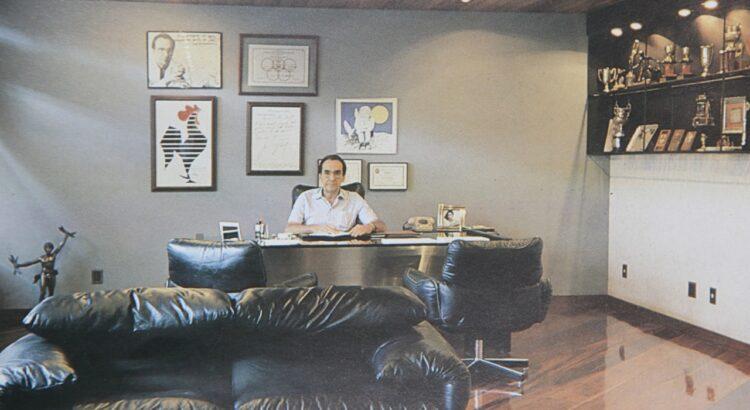 Elias Kalil, na sala da presidência: noção da grandeza do Clube Atlético Mineiro