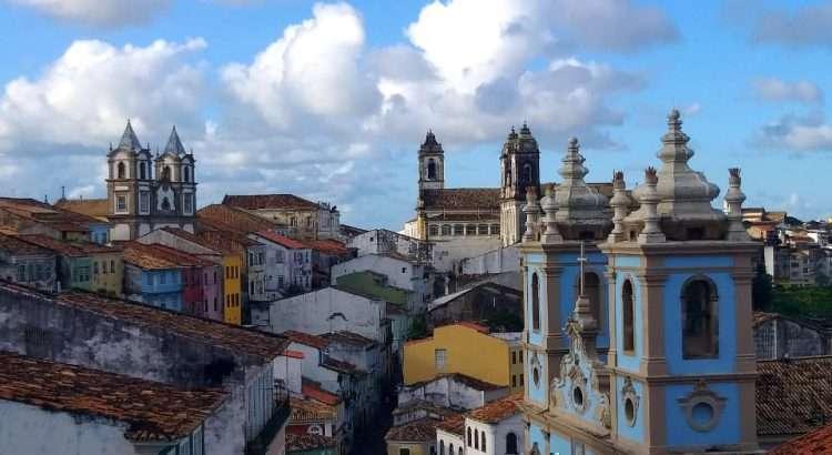 Foto: Arquivo Pessoal - Pelourinho da Cidade Plantada sobre a Montanha, Penetrada de Mar