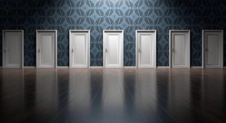 Vamos abrir as portas de 2021? Imagem: Pixabay