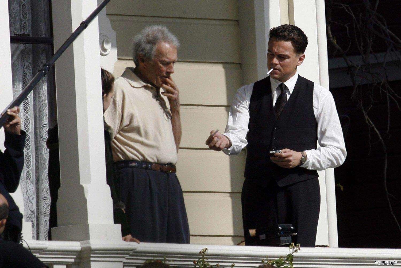 O diretor Eastwood orienta seu astro