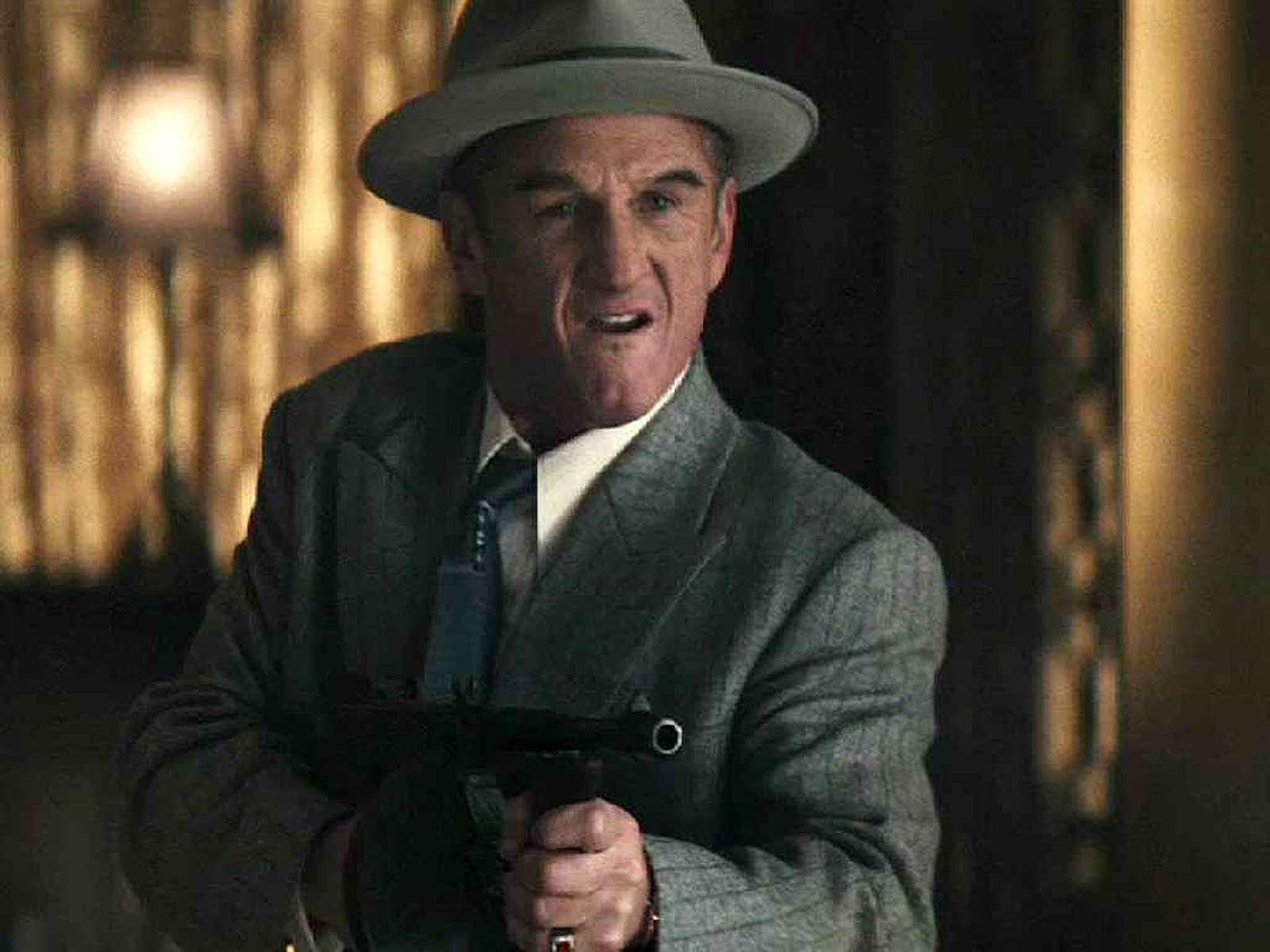 Parece que Sean Penn saiu de Dick Tracy de tão deformado