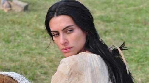 Cleo Pires venceu o trauma aceitou a personagem que foi da mãe
