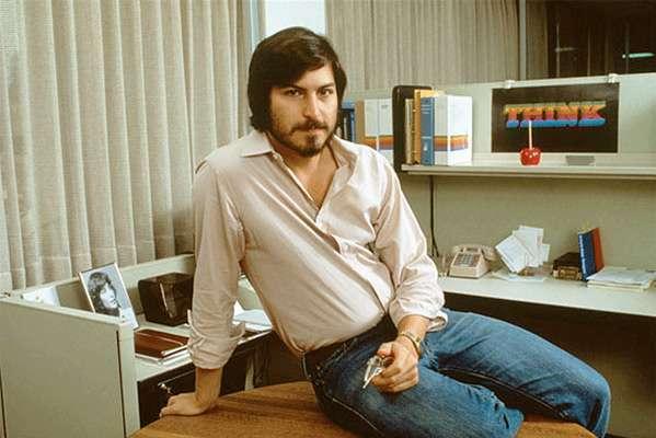 Eis o verdadeiro Jobs, imitado por Kutcher