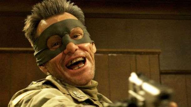 Isso é Jim Carrey, que depois disse reprovar tanta violência