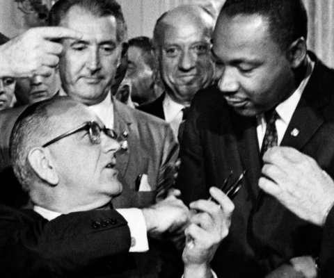 Os verdadeiros Lyndon Johnson e Martin Luther King em um dos vários encontros