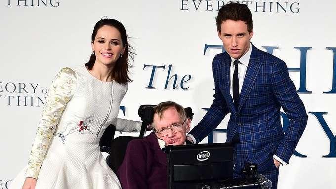 Hawking derramou lágrimas ao se ver na tela