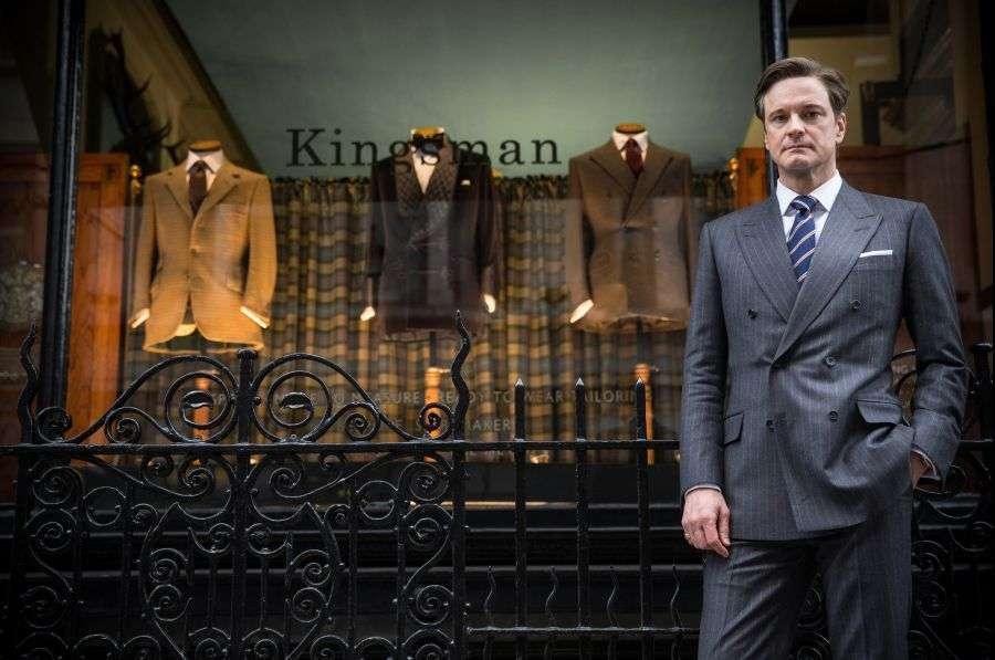 Firth e seu impecável terno à prova de balas