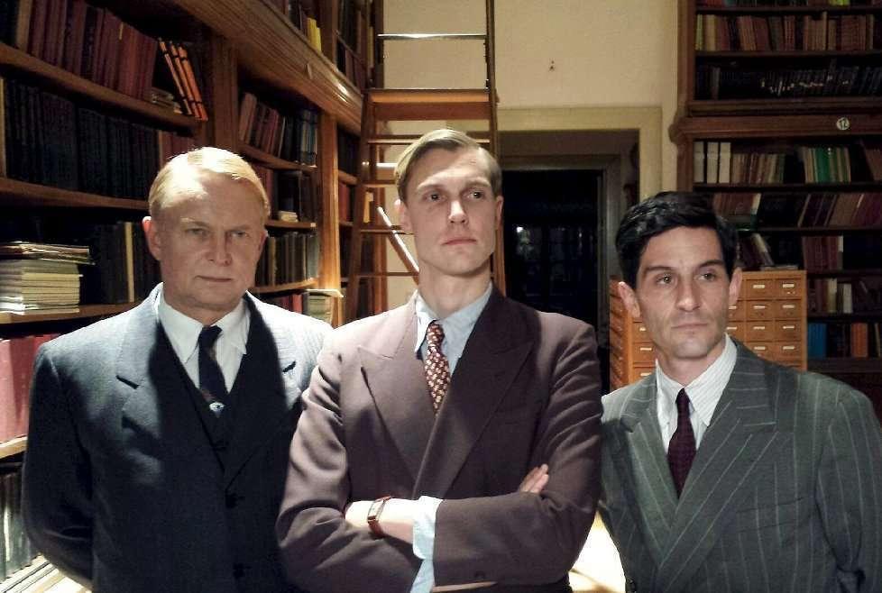 Os três personagens principais da série